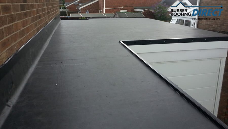 Flat roofing using EPDM
